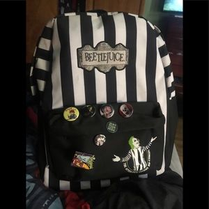 Beetle juice backpack like new (pins not included